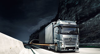 L'Actros et l'Actros SLT de Mercedes-Benz en transport long-courrier
